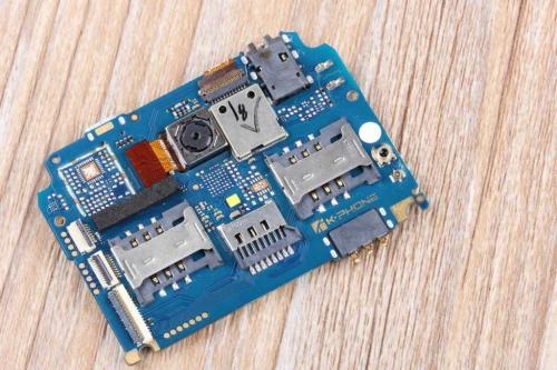 w50 t2的主要电路板,处理器,内存,摄像头之类的配件都在上面